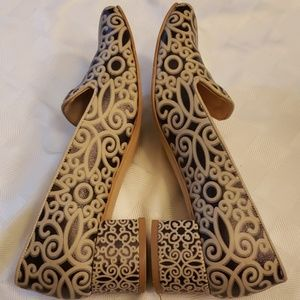 Goby Catch Your Mood Heels Made in Turkey EUC 39-9